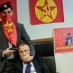 Turchia, il magistrato preso in ostaggio - foto diffusa sui social