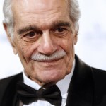 epa03626428 Egyptian actor Omar Sharif smiles after receiving an award for lifetime achievement during the 4th Film Ball in Vienna, Austria, 15 March 2013.  EPA/GEORG HOCHMUTH