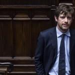 Pippo Civati alla Camera durante la votazione della questione di fiducia posta sull'articolo 1 della Legge Elettorale (Italicum), 29 aprile 2015. ANSA/ANGELO CARCONI