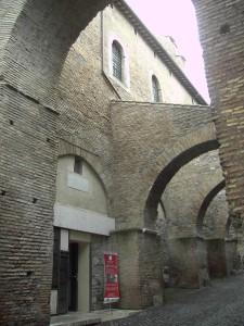 800px-Celio_-_Clivo_di_Scauro_-_la_casa_romana_ingresso_1765