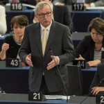 epa04834726 Jean-Claude Juncker (L), President of the European Commission, delivers his speech in the plenary session at the European Parliament in Strasbourg, France, 07 July 2015.  EPA/PATRICK SEEGER