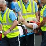 epa04868241 Sevilla player Ciro Immobile receives medical treatment during a pre-season friendly fixture between Watford FC and Spanish side Sevilla at Vicarage road in Watford, Britain, 31 July 2015.  EPA/SEAN DEMPSEY