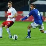 Poland's Michal Nalepa (L) fights for the ball with Valerio Verre (R) of Italy during their Under-20 Four Nations Tournament soccer match in Szczecin, Poland, 11 September 2013. PAP/Marcin Bielecki  POLAND OUT