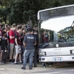 La 'fan zone' allestita al Galoppatoio di Villa Borghese a Roma per i tifosi del Bayer Leverkusen in vista della partita dei preliminari di Champion League contro la Lazio, 18 agosto 2015 a Roma. ANSA/MASSIMO PERCOSSI