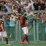 Roma's Edin Dzeko jubilates after scoring the goal during the Italian Serie A soccer match AS Roma vs Juventus FC at Olimpico stadium in Rome, Italy, 30 August 2015.  ANSA/ALESSANDRO DI MEO