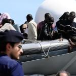 Migranti soccorsi nel Canale di Sicilia        ANSA/MIKE PALAZZOTTO