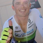 """Autralian cyclist Simon Gerrans of Orica-Greenedge team celebrate at the end of the 1st stage of """"Giro d'Italia"""" cycling race in Sanremo, Italy, 09 May 2015. ANSA/DANIEL DAL ZENNARO"""
