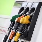 Una pompa di benzina bloccata a causa dello sciopero dei benzinai a Roma 18 giugno 2014. ANSA/ANGELO CARCONI