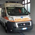 Salute: ambulanza al pronto soccorso dell'ospedale di Carate Brianza. Foto ANSA/Roberto Ritondale