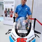 Alex De Angelis alla presentazione del Gran Premio di Moto Gp di San Marino nel cluster di San Marino a Expo Milano 2015,  Milano, 3 settembre 2015.  ANSA/DANIELE MASCOLO