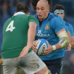 Italy's captain Sergio Parisse (R) in action during the RBS Six Nations rugby union match between Italy and Ireland at the Olimpico Stadium in Rome, Italy, 07 february 2015.             ANSA / MAURIZIO BRAMBATTI