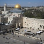 epa04906635 A picture taken with a tilt shift lens  shows a general view of the Western Wall, a holy site for Jews, in the Old City of Jerusalem, Israel, 31 August 2015. Since 1981, the Old City is listed as UNESCO World Heritage Site.  EPA/ABIR SULTAN TILT SHIFT LENS