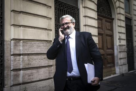 Pd, Emiliano: rimasto perchè Renzi era felice che me ne andassi