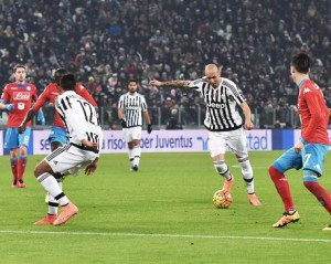 Simone Zaza of Juventus is going to score the winning goal during the italian serie A soccer match Juventus FC - SSC Napoli at Juventus Stadium, Turin, 13 February 2016. ANSA / ANDREA DI MARCO