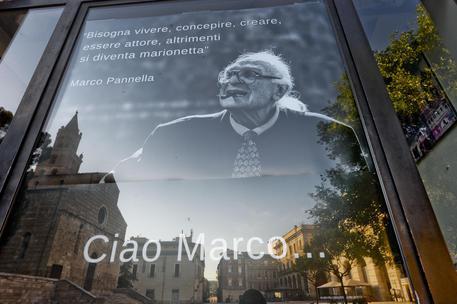 Marco Pannella e il saluto di Teramo. Il vescovo: 'La  verità torna sempre'