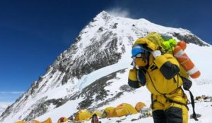 epa05326759 A handout picture provided by Nepalese climber Phurba Tenjing Sherpa shows  porters carry stuffs at camp 4 of Mount Everest, Nepal, 24 May 2016. Dutch climber Eric Arnold, Australian Maria Strydom and Indian climber Subhash Paul died and two other went missing in Everest.  EPA/PHURBA TENJING SHERPA / HANDOUT  HANDOUT EDITORIAL USE ONLY/NO SALES