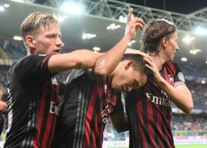 Milan's Carlos Bacca (C) jubilates with his teammate after scoring the gol during the Italian Serie A soccer match Uc Sampdoria vs Ac Milan at Luigi Ferraris stadium in Genoa, Italy, 16 september 2016. ANSA/LUCA ZENNARO