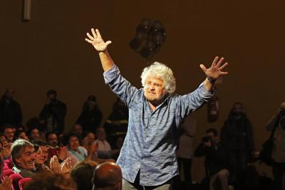 Grillo pi povero dei parlamentari m5s renzi dichiara for Numero parlamentari m5s