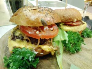 Cheese burger e Veggie Buger (We food)