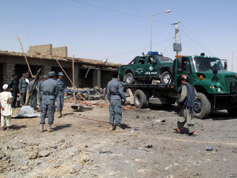 Afghanistan: talebani attaccano base intelligence, 12 morti