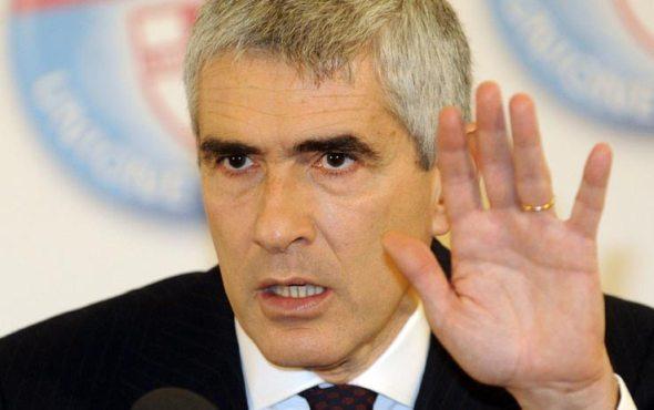 Governo e Casini: 'Conte sta sbagliando tutto'