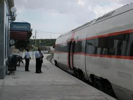 Stop treni Roma-Firenze: incendio doloso a una cabina elettrica