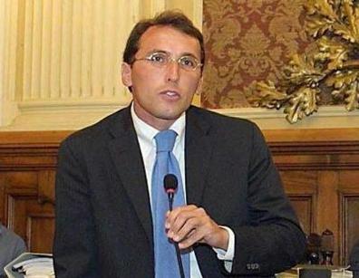Stop ristoranti e bar alle 18 Disordini in piazza a Roma