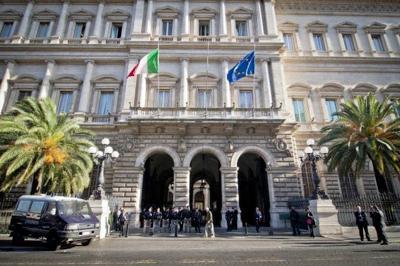 L'allarme di Bankitalia: nel 2020 quasi un milione di occupati in meno