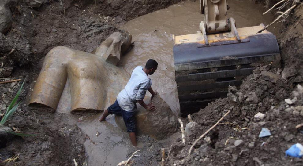 Ramses II statua ritrovata al cairo