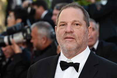 Molestie: Weinstein pronto a consegnarsi