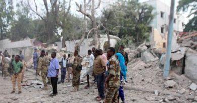 Autobomba vicino ad un hotel Mogadiscio
