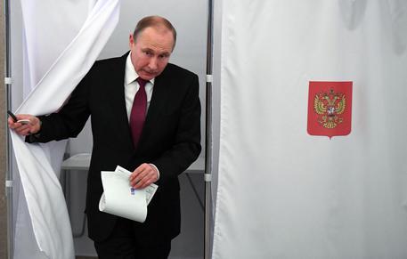 Aperte le urne in Russia per le elezioni presidenziali