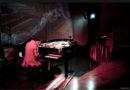 Sabato 28 aprile al  'Teatro La giostra di Napoli/Speranzella81'  Venovan in 'Live #PianoPreparato & Light Fluo'