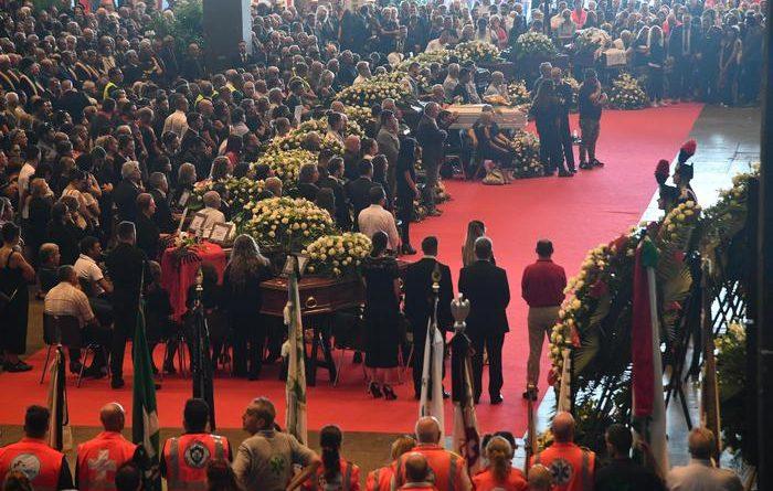 Funerali di Stato a Genova, Bagnasco: La città è ferita ma risorgerà