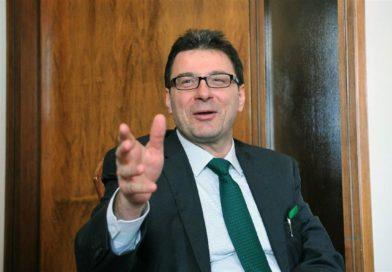 """Economia, Giorgetti: """"Tria sia piu' elastico sulle virgole del deficit"""""""