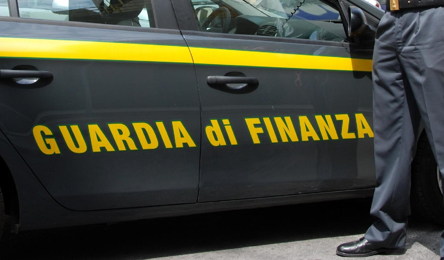 Taranto, truffa e fatture false: sequestro beni per 2,1mln di euro