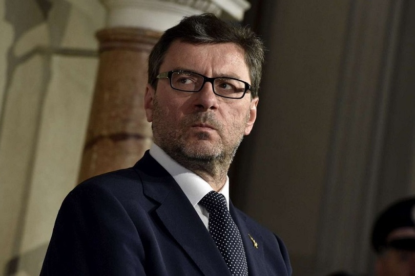 Giorgetti, valutiamo golden power per filiere ora escluse