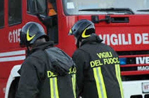 Dà fuoco a un autobus di linea con scolaresca a bordo, fermato dai carabinieri