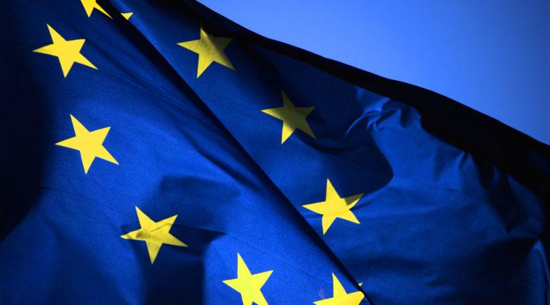 Italiani sempre più euroscettici: solo il 44% voterebbe per restare nell'Ue
