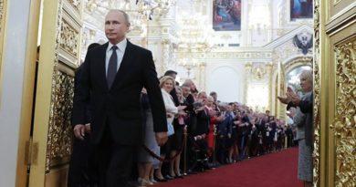Vaccino Coronavirus, la Russia arriva prima: l'annuncio di Putin e il test sulla figlia