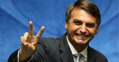 """Brasile, Bolsonaro: """"Mio figlio ambasciatore non è nepotismo"""""""