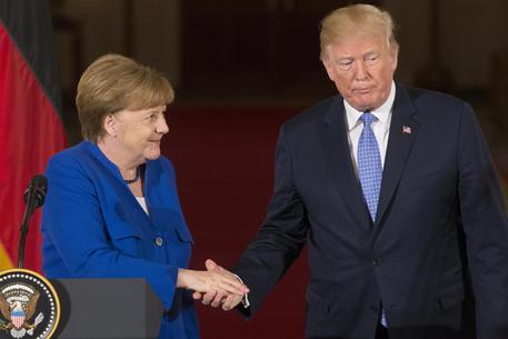 Merkel apre all'import di gas dagli Usa