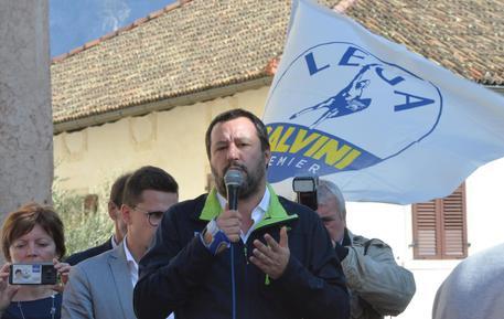 Sondaggi, Lega sempre primo partito. Il Pd sconta l'effetto Renzi