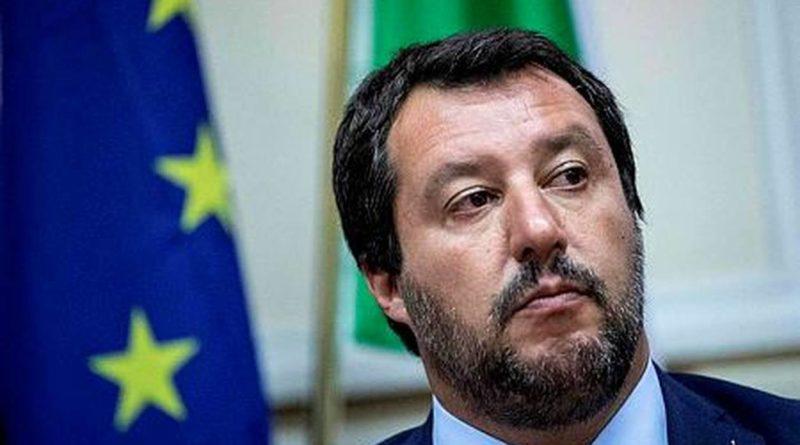 Salvini: 'Con noi stop a fantocci manipolati dall'Ue'