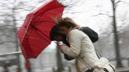 Meteo: Forte vento in arrivo nel weekend, raffiche di 80km/h