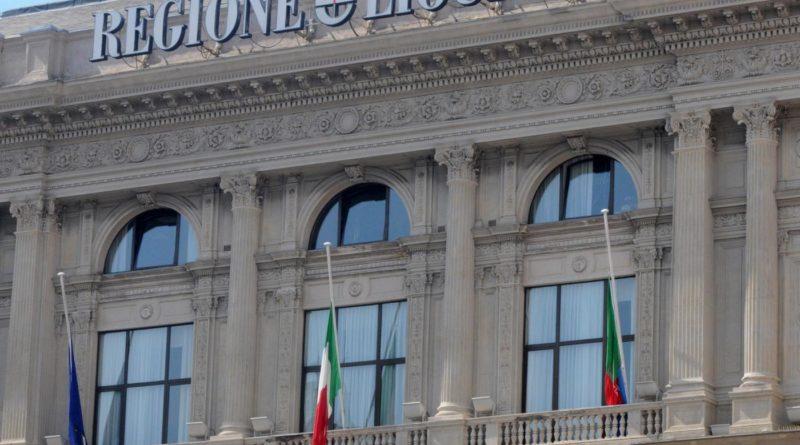Regione Liguria. Viaggi, ostriche e biscotti pagati con i fondi pubblici: inquisiti 22 politici
