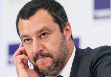 Matteo Salvini tra Bruxelles e Babbo Natale…