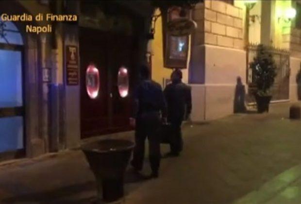 A sorpresa blitz della Guardia di Finanza di Napoli al teatro Sannazzaro di Napoli