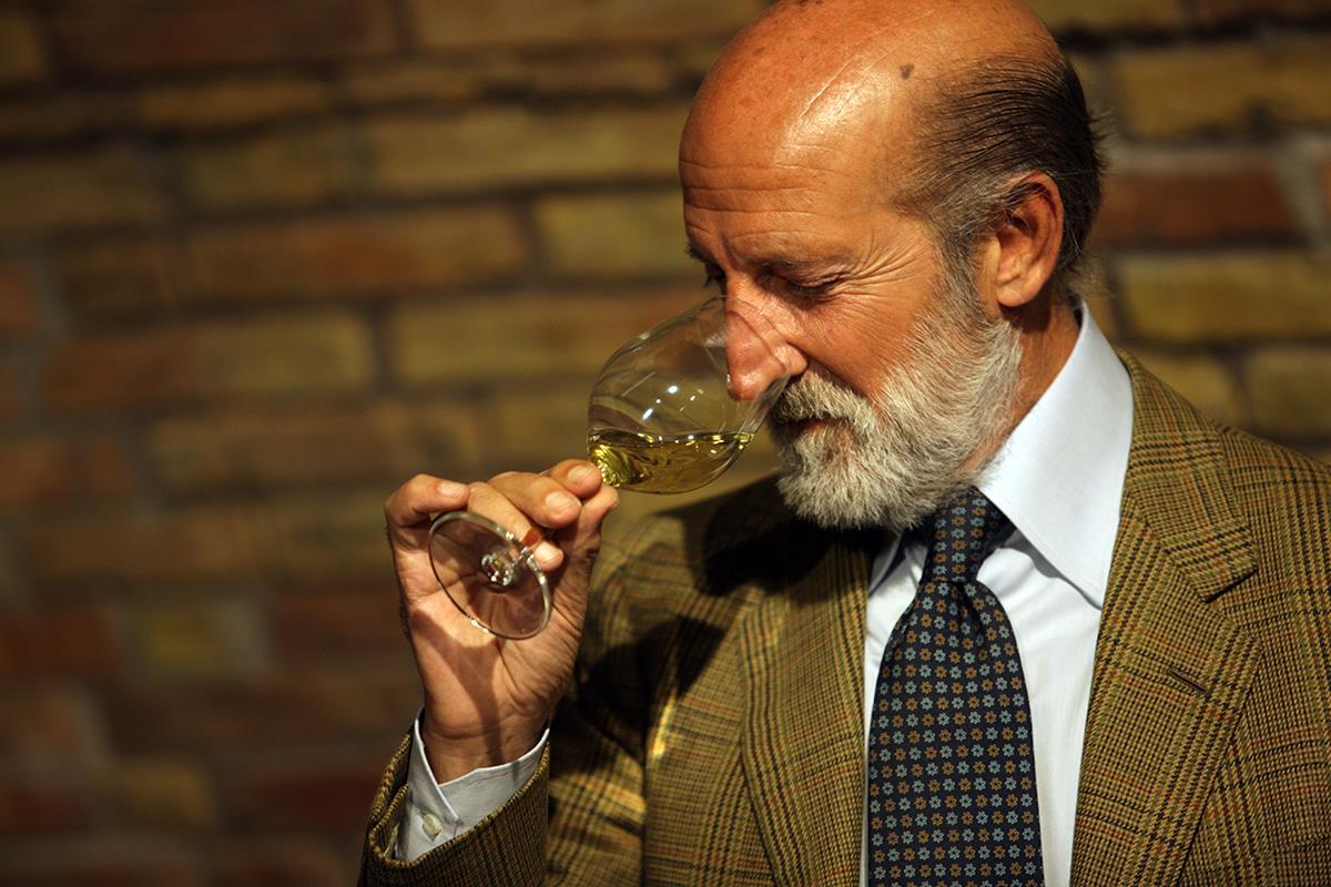 I MIGLIORI VINI ITALIANI di Luca Maroni sbarca oggi a Milano tra arte,vino, gastronomia e glamour