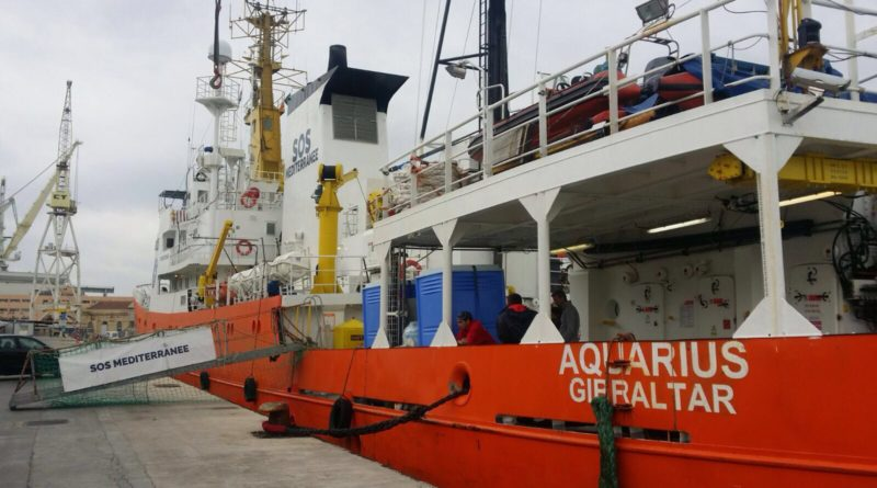 Migranti, sequestrata Aquarius e indagata Msf per gestione rifiuti